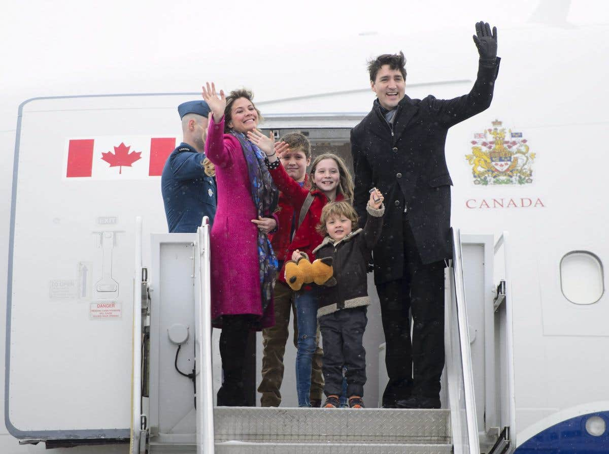 PHOTOS. Inde: Justin Trudeau en tenue traditionnelle lors d'une visite officielle