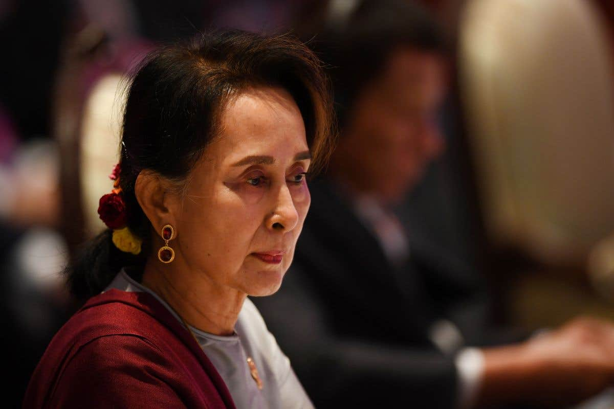 Aung San Suu Kyi devant la Cour internationale
