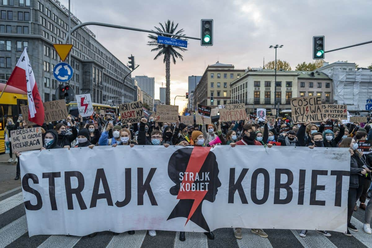 Grève contre l'interdiction de l'avortement en Pologne