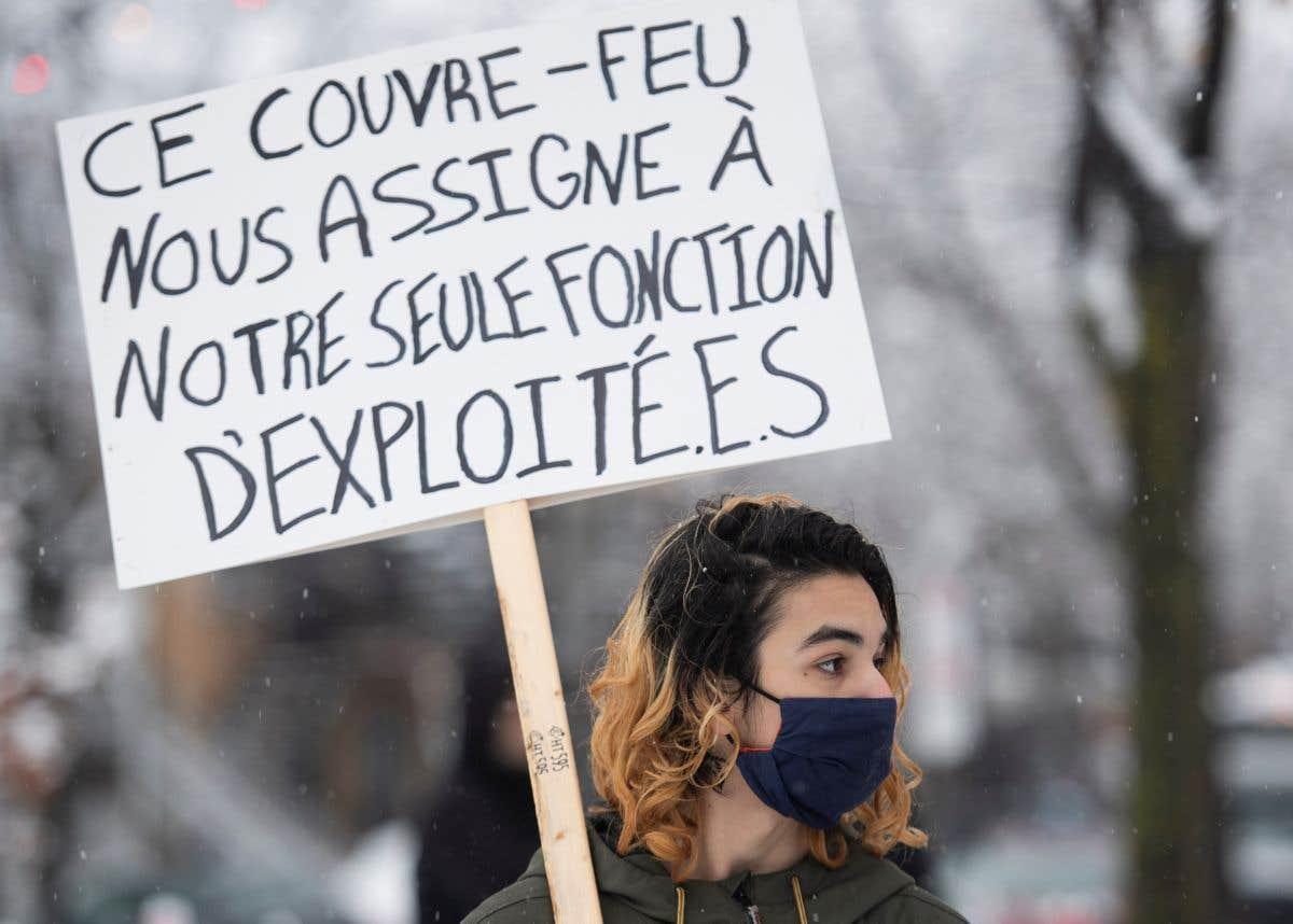 Des manifestants contre le couvre-feu