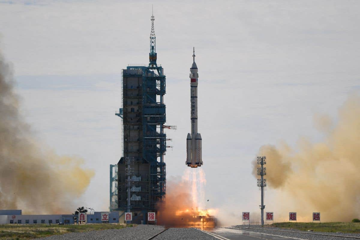Lancement de «Shenzhou 12»