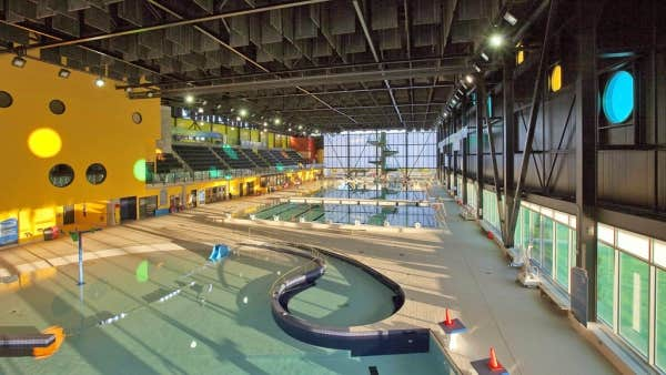 Le devoir for Centre du plateau piscine
