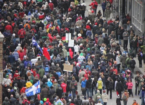 Vers 16h, les organisateurs ont estimé la foule présente à 250 000 personnes.