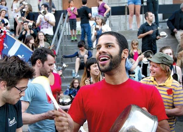 Ils étaient plusieurs centaines à participer hier au tintamarre rue Masson, dans l'arrondissement de Rosemont -La Petite-Patrie, à Montréal.