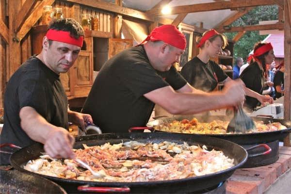 Le devoir for Cuisine hongroise