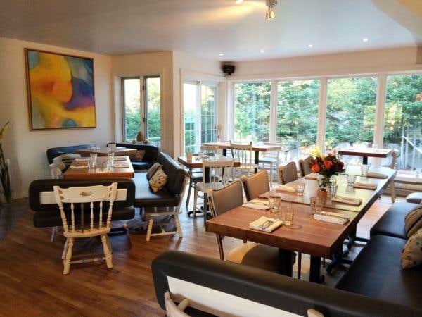 restaurant bureau de poste 28 images restaurant le bureau de poste qu 233 bec qc 296 rue. Black Bedroom Furniture Sets. Home Design Ideas