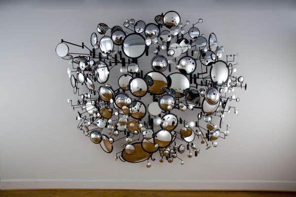 « Compound Eyes », oeuvre de Graham Caldwell présentée à la Cité internationale dans le cadre de Art souterrain