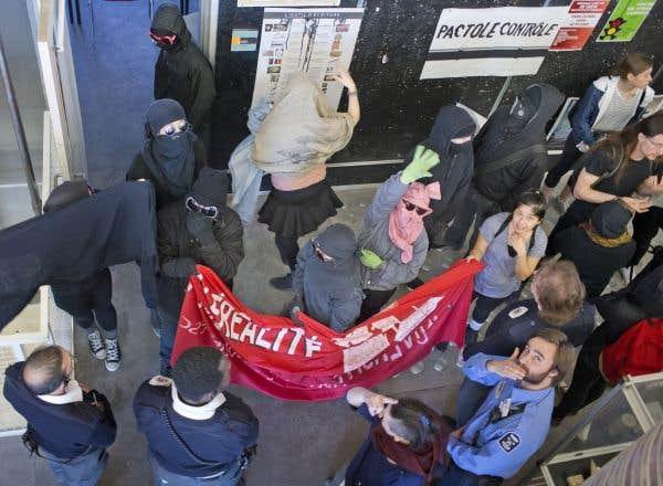 Démocratie étudiante: MonsieurBlais, agissez avant l'automne