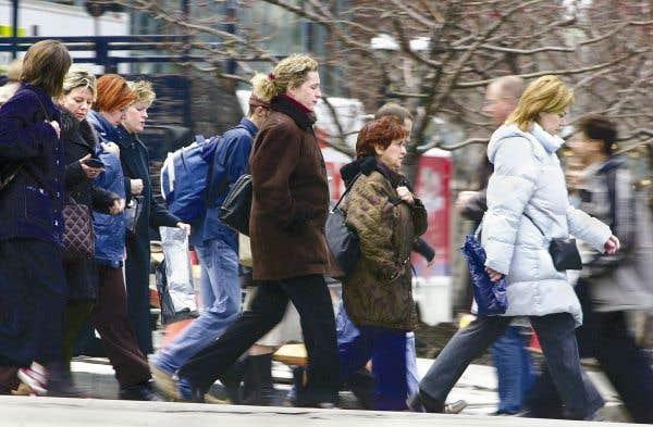Québec provoque le départ de milliers d'employés