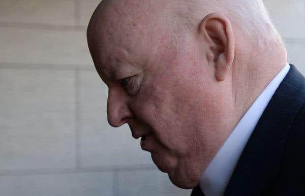 Le juge au procès de Mike Duffy commence à s'impatienter