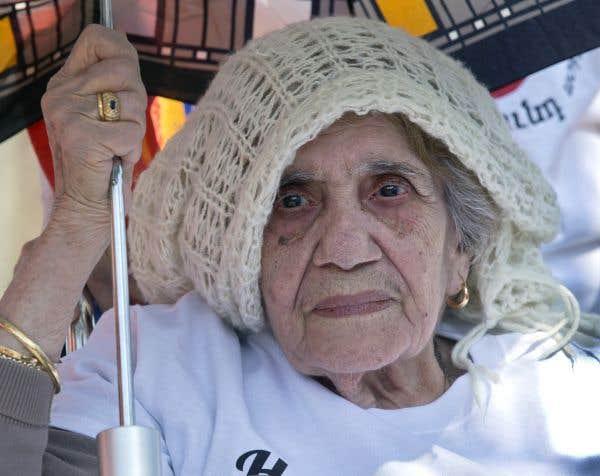 Des milliers de marcheurs unis contre les génocides