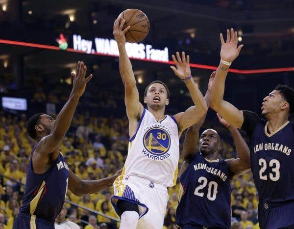 Stephen Curry désigné joueur par excellence de la NBA