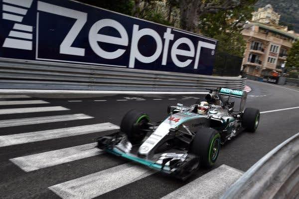 Hamilton domine la première journée à Monaco