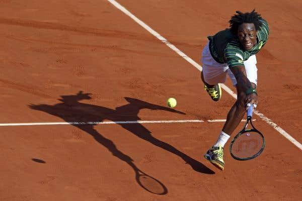 Federer gagne en râlant
