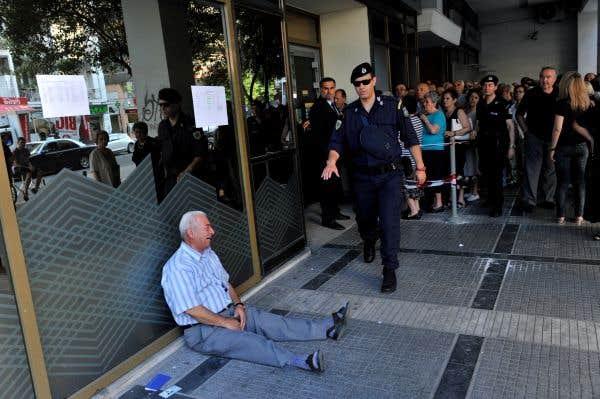 «L'homme qui pleure», symbole de la détresse grecque