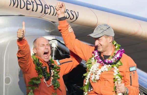 «Solar Impulse 2» s'est posé à Hawaï après un vol historique