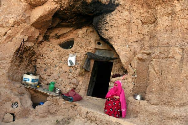 La vie de caverne des sans-abri afghans