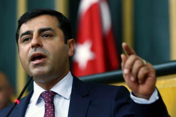 Le pouvoir turc vise le leader prokurde