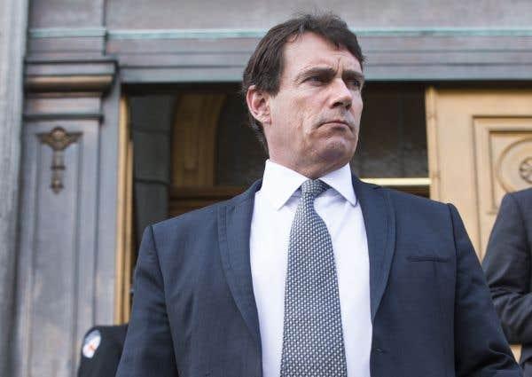PKP doit clarifier sa situation avec Québecor, dit Couillard