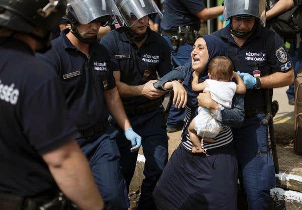 La guerre pour secourir les réfugiés