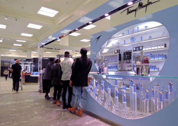 Les détaillants demandent des mesures pour taxer le commerce électronique