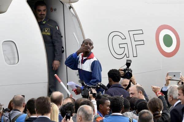 L'Europe transfère ses premiers migrants en Suède
