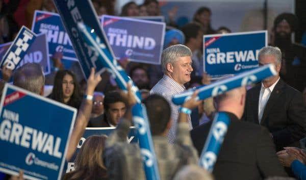 Stephen Harper se défend de faire une sélection électorale