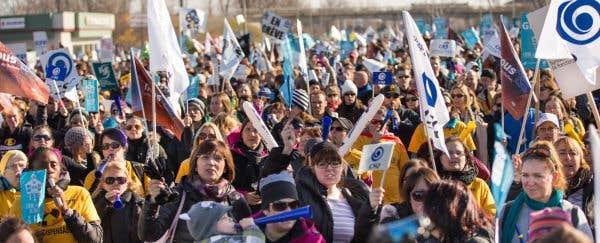 Les travailleuses et les travailleurs du secteur public, membres du Front commun, ont tenu une troisième journée de grève le 10 novembre 2015 dans la région de Lanaudière.
