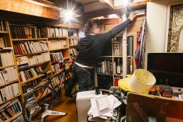 La bibliothèque d'Antoine Tanguay, timonier en chef aux éditions Alto, est sise dans le sous-sol de sa résidence.