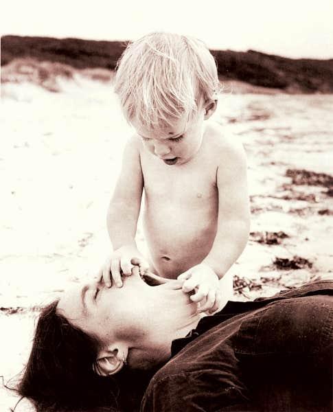 «On peut comparer la patience d'une mère à un tube de dentrifice. Il en restera toujours un peu au fond», une citation du livre Pour ma mère.
