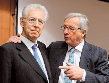 Le premier ministre italien, Mario Monti, et le pr&eacute;sident de l&rsquo;Union europ&eacute;enne, Jean-Claude Juncker.<br />