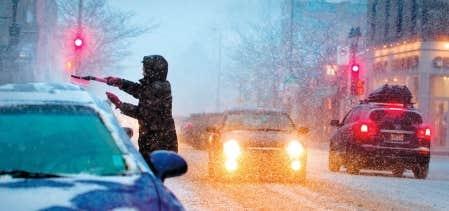 Les conditions routières se sont dégradées hier et Météo Média recensait une dizaine de sorties de routes sur l'île de Montréal.
