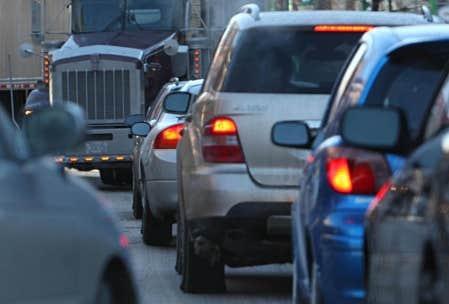 Les autorités chargées de surveiller l'évolution du parc automobile québécois ne semblent pour l'instant compter sur aucun frein efficace.