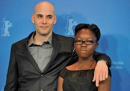 Le cin&eacute;aste Kim Nguyen et la vedette du film Rebelle, Rachel Mwanza, qui a re&ccedil;u des applaudissements chaleureux de la foule.<br />