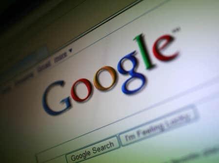 Google a donné le coup d'envoi de sa nouvelle politique de confidentialité qui devrait lui permettre à terme de resserrer son emprise sur les données des internautes abonnés à ses services