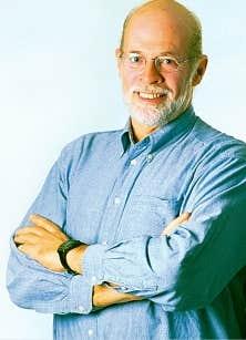 Titulaire de la Chaire de recherche du Canada en d&eacute;veloppement des collectivit&eacute;s, Louis Favreau a enseign&eacute; pendant 25 ans au D&eacute;partement de travail social et des sciences sociales de l&rsquo;Universit&eacute; du Qu&eacute;bec en Outaouais. <br />