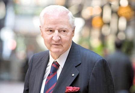 <div> Richard Le Hir ose, dans un essai, faire du financier Paul Desmarais l&rsquo;adversaire de l&rsquo;&eacute;veil qu&eacute;b&eacute;cois des ann&eacute;es 1960.</div>
