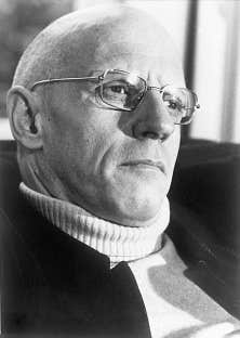 Michel Foucault demeure un des penseurs français contemporains rayonnant le plus dans les cercles intellectuels.