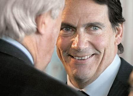 <div> Pierre Karl P&eacute;ladeau tout sourire hier avec l&rsquo;ancien premier ministre f&eacute;d&eacute;ral Brian Mulroney.</div>