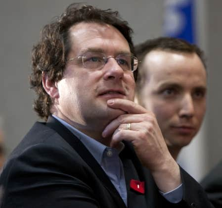 À l'appui de sa thèse, le porte-parole du Parti québécois en matière d'affaires intergouvernementales canadiennes, Bernard Drainville, a énuméré la longue liste des différends qui opposent Québec au gouvernement de Stephen Harper.