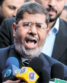 <div> Mohamed Morsi, candidat officiel des Fr&egrave;res musulmans, serait en t&ecirc;te dans la course &agrave; la pr&eacute;sidence &eacute;gyptienne.</div>