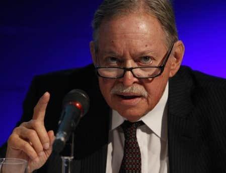 Jacques Parizeau a accusé certains politiques de se prêter à la comparaison entre la situation financière du Québec à celle de la Grèce.