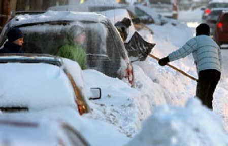 De la neige, rien que de la neige cette semaine dans les rues de Montréal qui se transformera en gadoue ce week-end si la pluie se met de la partie, comme l'annonce la météo.