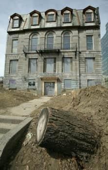 L'arrondissement Ville-Marie avait amorcé un plan d'achat de la maison LaFontaine en 2006, resté sans suites faute de fonds.