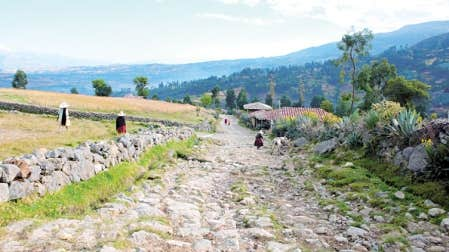 Maçonnerie du chemin inca dans la province de Cajabamba, au Pérou