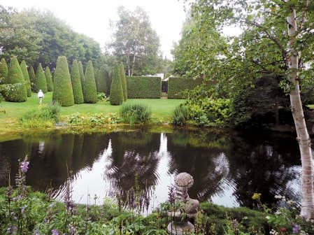 Le domaine sublime de francis cabot le devoir for Jardin quatre vents