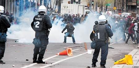 Des manifestations ont entouré le Salon du Plan Nord qui s'est déroulé au Palais des congrès de Montréal en avril dernier.