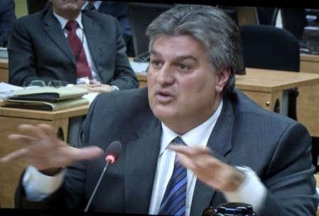 L'escroquerie a pris forme humaine. Lino Zambito, corrupteur et corrompu, dirigeant déchu de l'entreprise Infrabec, aujourd'hui recyclé dans la pizza.