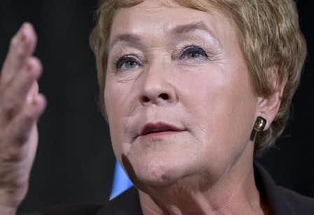 Pauline Marois a dit espérer que ses projets de loi portant sur l'intégrité seront adoptés avant l'ajournement des Fêtes, le 7 décembre.