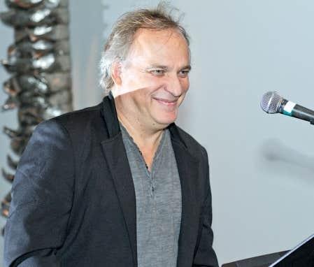 André Hamel est un compositeur actif depuis les années 1980.